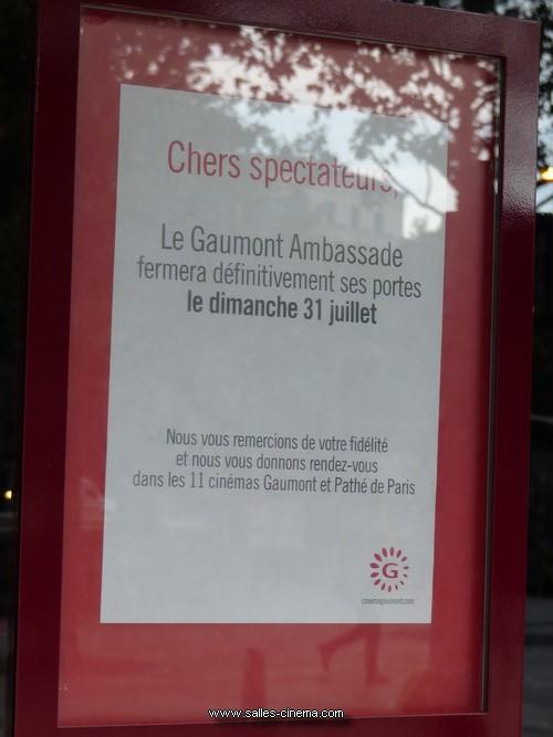 Fermeture du Cinéma Gaumont Ambassade sur les Champs-Elysées