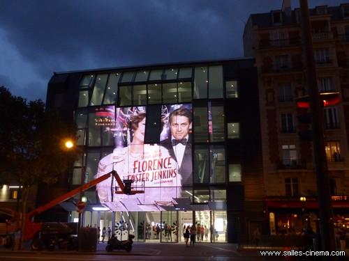 Nouvelle façade en LED du cinéma Gaumont Alésia