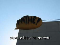 Cinémas Pathé Belle-Épine à Thais: l'enseigne Pathé.