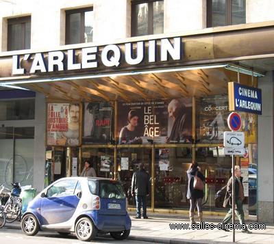 Cinéma l'Arlequin à Paris: façade du cinéma art et essai proche de Montparnasse et Saint-Germain-des-Prés