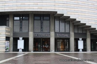 Façade du cinéma art et essai le Curial à Chambéry en Savoie.