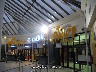 Cinéma Pathé dans le centre commercial Place d'Arc à Orléans- www.salles-cinema.com