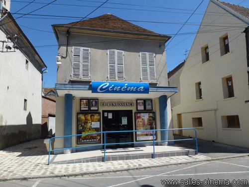 Façade du cinéma Le Renaissance à Bray-sur-Seine