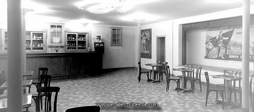 Ancien hall du cinéma Le Rex à Pamiers