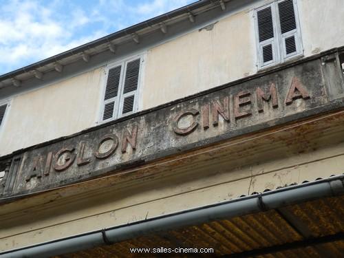 Enseigne du cinéma L'Aiglon à Corté