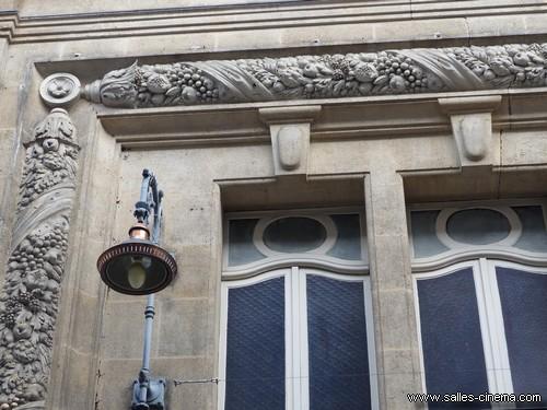 Façade de l'ancien cinéma Fémina à Bordeaux (aujourd'hui théâtre Fémina)