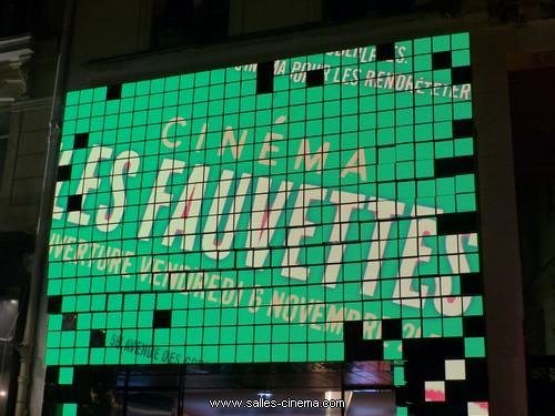 Façade lumineuse LED du cinéma Les Fauvettes