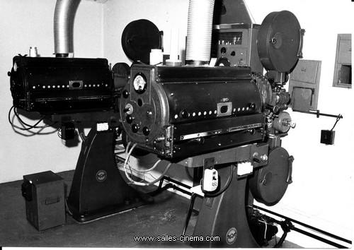 Cinéma Le Rex à Marans - www.salles-cinema.com